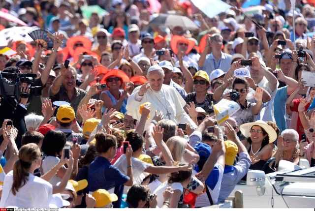 2048x1536-fit_pape-francois-vatican-rome-italie-18-septembre-2013